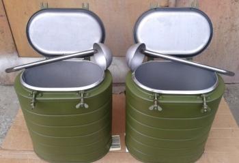 Армейский металлический термос 12 литров.